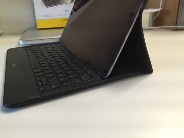 Der Winkel ist für die Größe des iPad pro etwas zu steil.