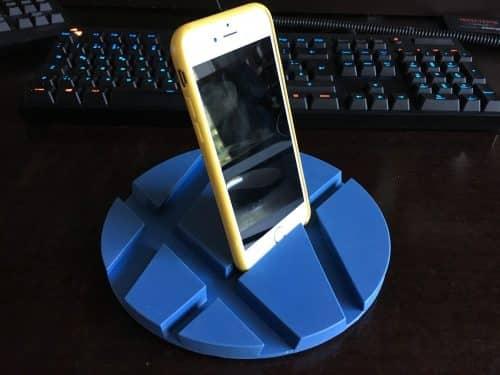 Sieht etwas komisch aus, geht aber auch. Ein iPhone in der Smartmat.