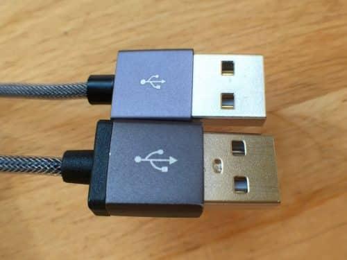 Oben die neue Version, unter das vielfach auf Reisen verwendete alte Kabel.