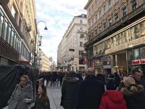 Apple Store Wien - Blick Richtung Oper
